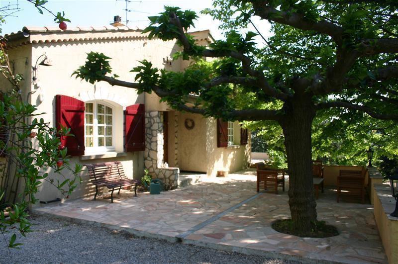 Vakantiehuis bellevue in lorgues provence frankrijk huren - Provencaalse terras ...